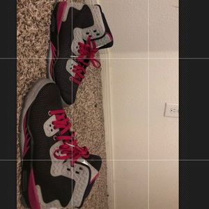 Girls Jordan's sz 6 Black/Plum Purple/Light Grey
